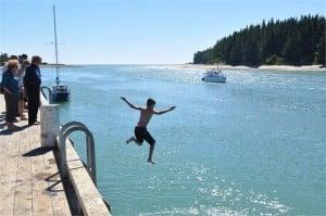 Mapua-wharf-jumping